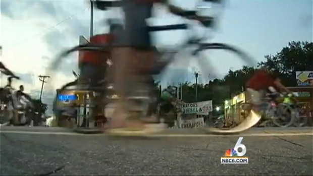 [MI] Critical Mass Hits Downtown Miami and Miami Beach