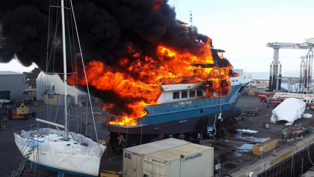 [DGO]Fire Destroys Chula Vista Yacht