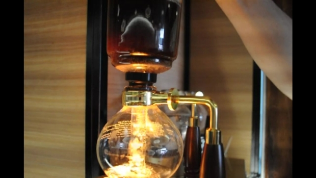 Zymology 21 Brews Up Siphoned Coffee: RAW VIDEO
