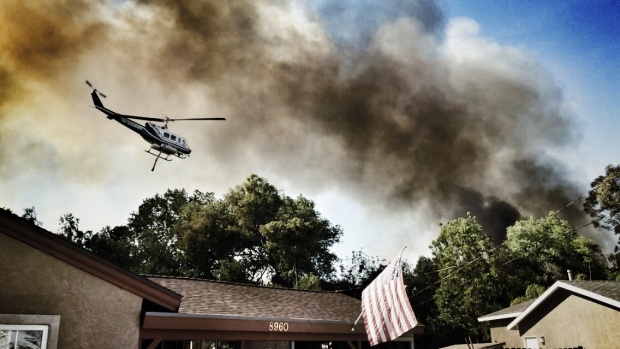 Images: Brush Fire Burning in Santee Near Carlton Oaks Golf Course