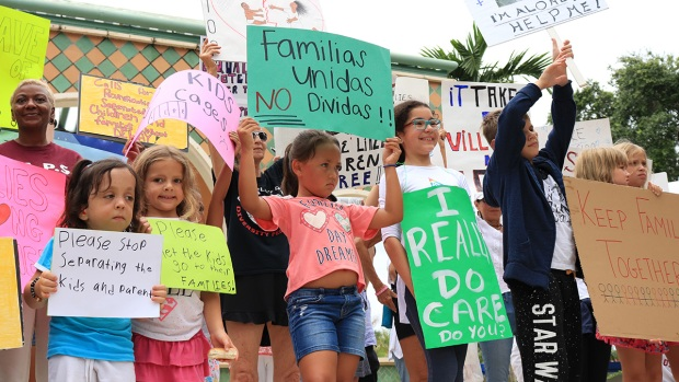 [NATL]'Families Belong Together': Protesters March Nationwide Against Zero-Tolerance Immigration Policies