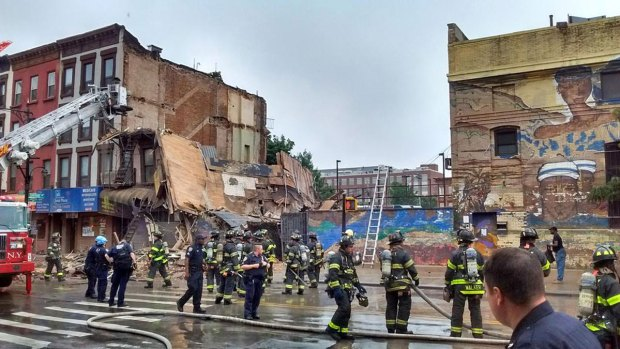 [NATL] PHOTOS: Brooklyn Building Collapse