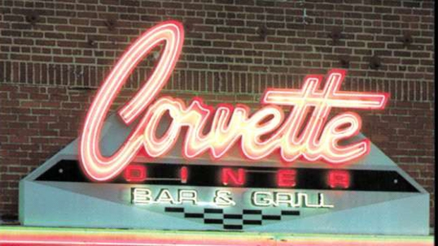 Corvette Diner Cruises into Point Loma
