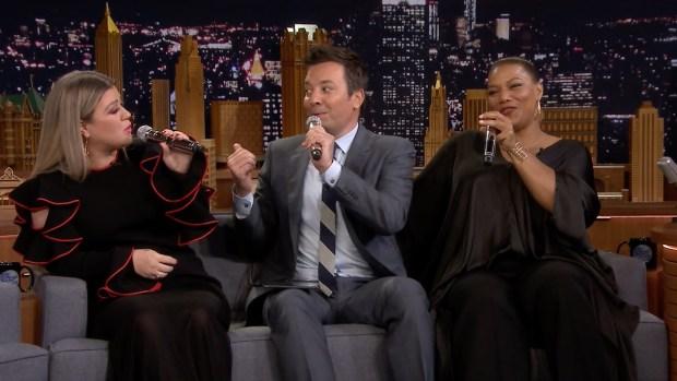 [NATL] 'Tonight': Kelly Clarkson, Queen Latifah Make Doo-Wop Song on iPad