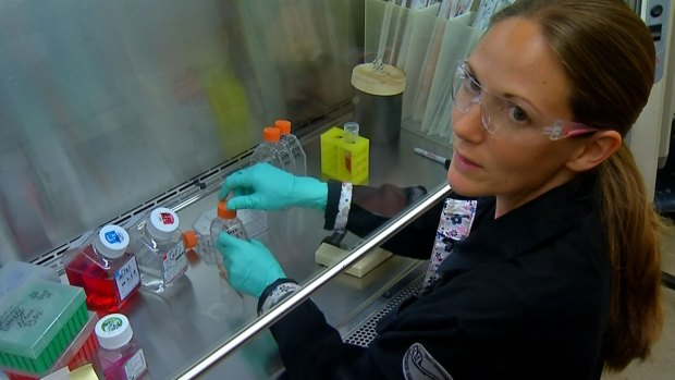 [DGO] Tour Lab on Front Lines of Ebola Fight