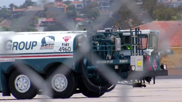 [DGO] Video Shows Allegedly Drunk Jet Fuel Driver Falling Over