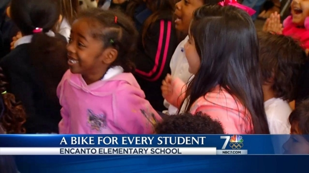 [DGO] MTS Gives Free Bikes to Encanto First-Graders