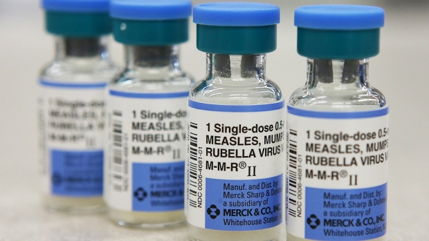 [DGO] USD Gives Free Mumps Vaccines to Students