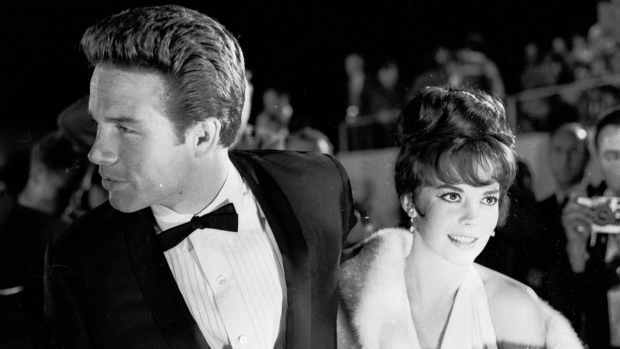 [NATL] Vintage Hollywood Glamour at the Academy Awards