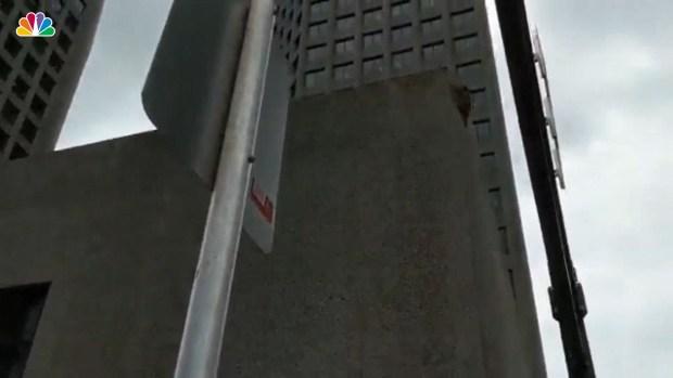 [NATL] Raccoon Scales Buildings in Minnesota