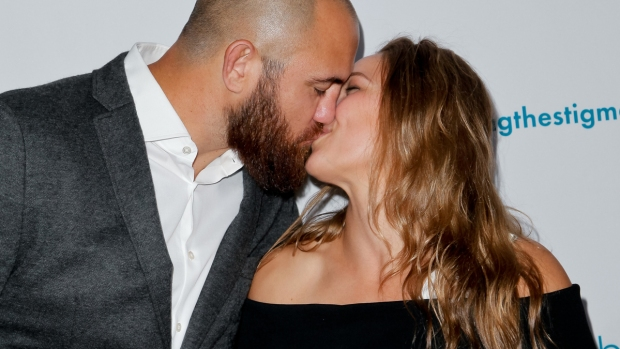 Celeb Hookups: Ronda Rousey and Travis Browne Are Engaged