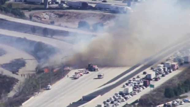 [DGO] Brush Fire Jumps Interstate 210 in Rancho Cucamonga