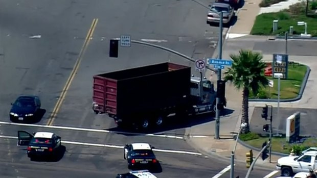 [DGO] CHP Pursues Truck along SB I-15 in San Diego
