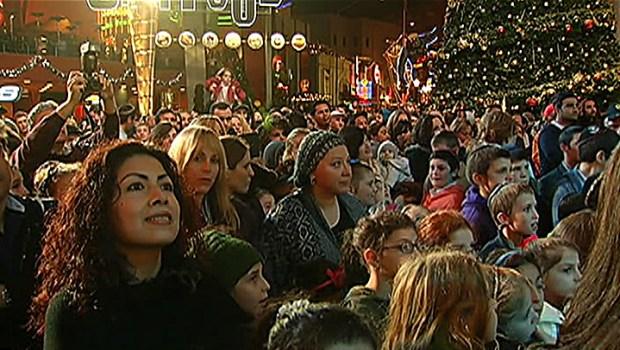 [LA] Hundreds Celebrate Hanukkah in L.A.