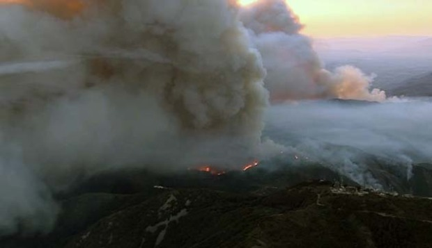 [LA] Watch: Holy Fire Flares Up at Sunrise Above Lake Elsinore