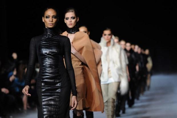 [THREAD] Kim Kardashian, Go-Karts, and Lots of Leather at Kanye West's Paris Fashion Show