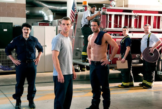 "[CHI] Firefighters Give ""Chicago Fire"" a Thumbs Up"