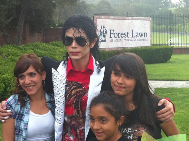 Fans Visit Forest Lawn One Year After Jackson's Death