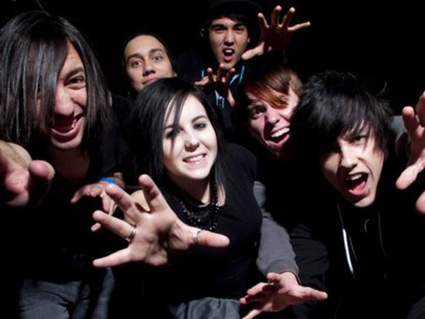 Six Band Members Hurt in Grapevine Crash