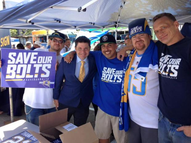 Chargers Host Signature Rally for Stadium