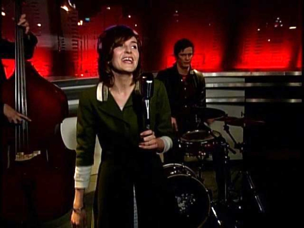 [DGO] SoundDiego Sessions: Miss Erika Davies' 'Robot Girl'
