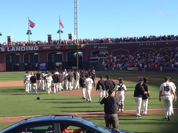 Giants, Fans Bid Farewell to 2013 Season