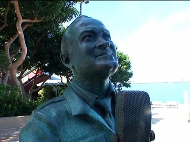 [DGO] Bob Hope Statue Dedicated