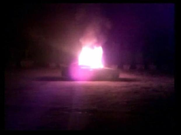 [DGO] Car Burning With Body Inside Caught on Tape