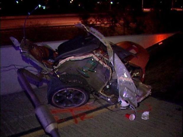 [DGO] Car Split in Half, All Inside Survive