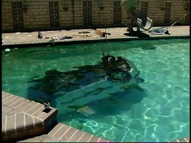 [DGO] Car in Pool on 'Rollercoaster Road'