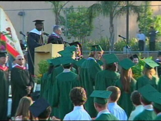[DGO] Chelsea King's Brother Accepts Her Diploma