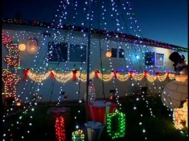 [DGO] Christmas House Vandalized