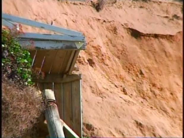[DGO] Cliff Collapses, a Homeowner Begs for Help