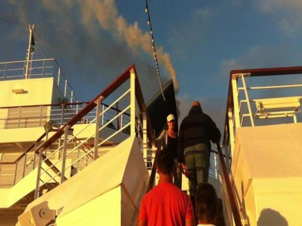 Raw Video: Passengers Learn About Splendor's Problems