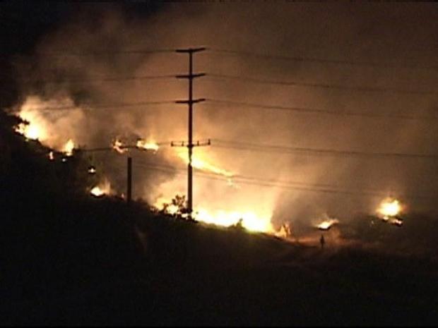 [DGO] Firefighters Battle Overnight Grass Fire