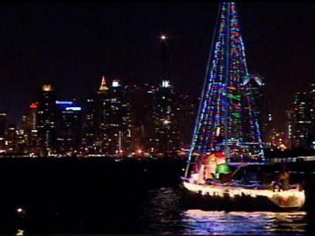 [DGO] Holiday Lights Boat Parade