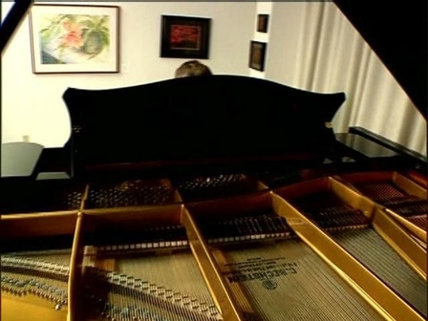 [DGO] Piano Teacher Hits Right Note With Autistic Students