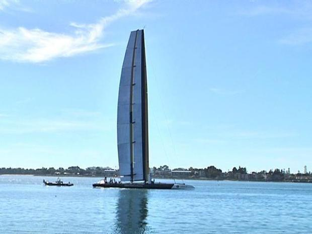[DGO] Raw Video: America's Cup Trimarin Wings It