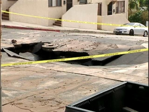 [DGO] Sinkhole Opens Up During On-Camera Interview