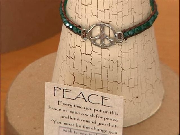 [DGO] Story Bracelets Give Women New Lease on Life