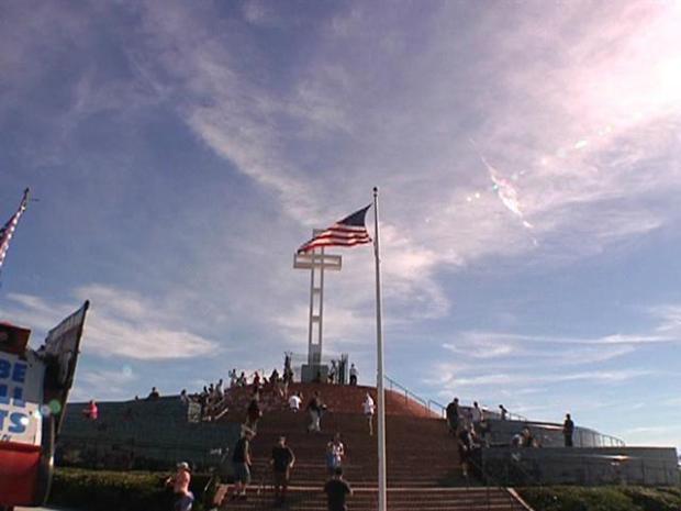 [DGO] Supporters Gather at Soledad Mt. War Memorial