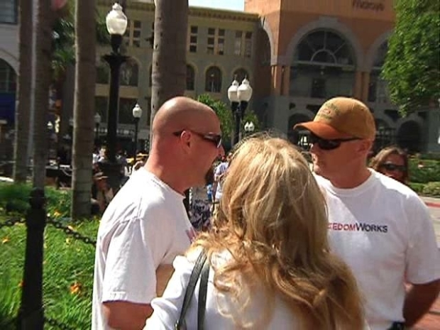 [DGO] Raw Video: Tempers Flare at Tea Party Protest