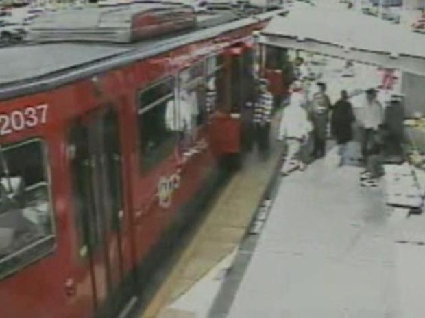 [DGO] Trolley Attack Offers Good Lesson: Cops