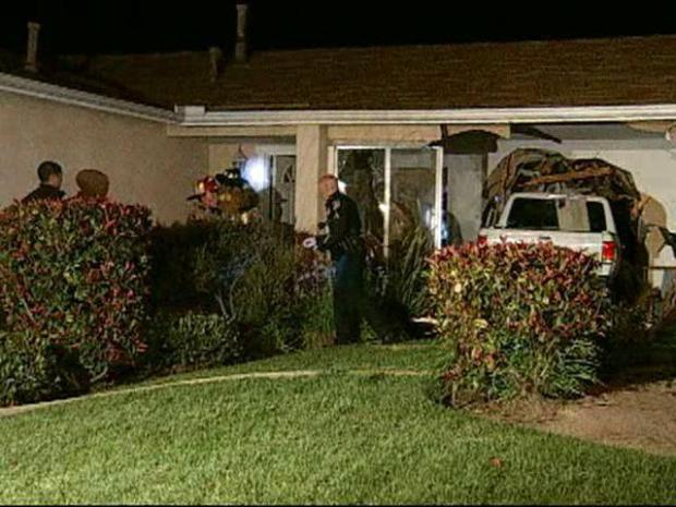 [DGO] Truck Crashes Through Mira Mesa Home