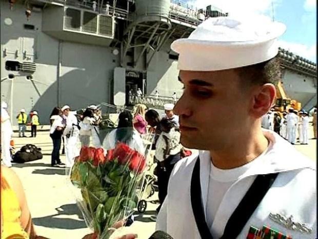 [DGO] USS Makin Island Docks
