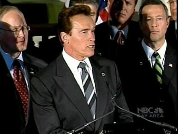 [BAY] Schwarzenegger Goes With Hand Out to Obama