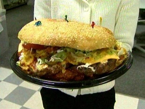 [NEWSC] Bodacious Baseball Burger Is a Caloric Grand Slam