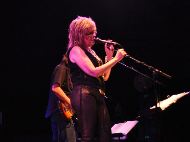 Screen Grabs: Lucinda Williams Headlines Humphreys Show