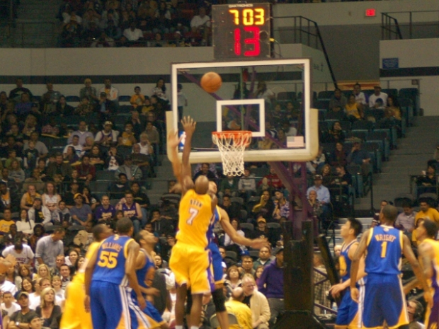 Lakers Bring Heat to Sports Arena