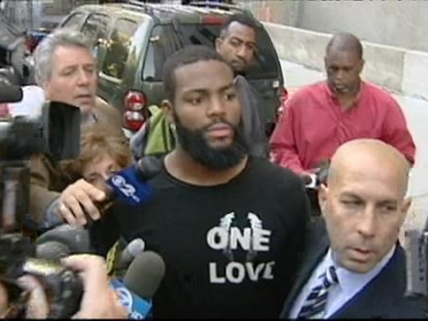 [NY] Video: Braylon Edwards Walks Out of Court